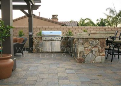 Custom Outdoor BBQ Islands 22