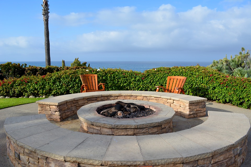 How to Build a Fire Pit Patio with Pavers