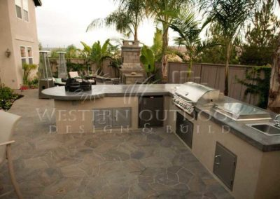 Stucco Outdoor Kitchen Contractors 3